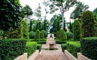 wege im grünen Garten